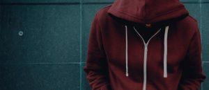 A redução da maioridade penal é a melhor solução para combater a criminalidade entre jovens?